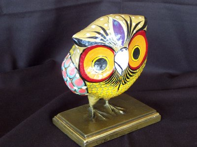 Another view of the owl.