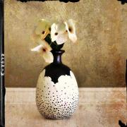 Speckle Vase by Renee Parker