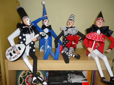 """HARLEQUINS IN BOOKCASE"" by Rui Moura"